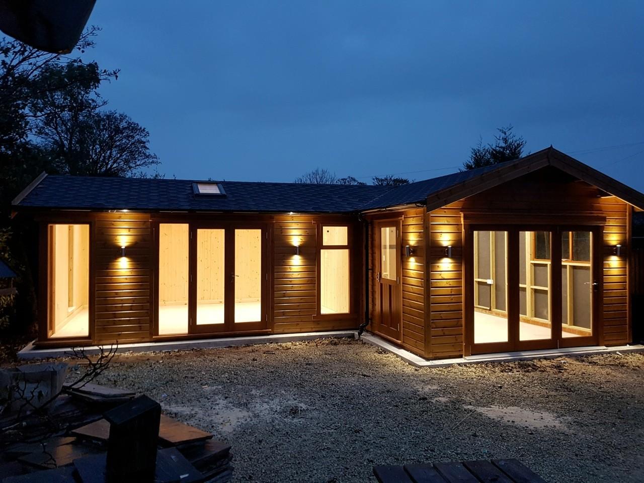 Bespoke garden studio tunstall garden buildings 5 for Garden studio