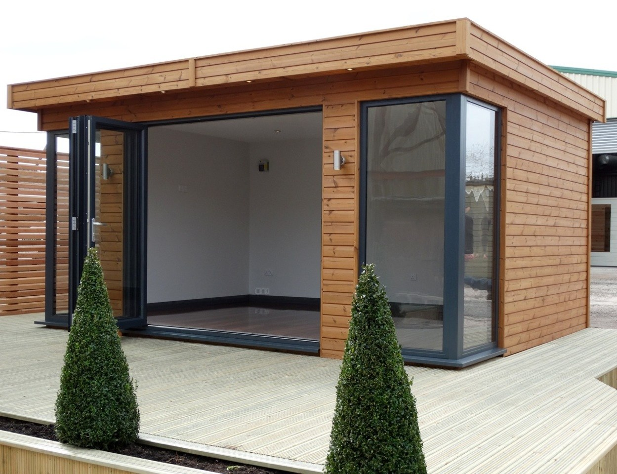contemporary-garden-room-showroom-tunstall-garden-offices
